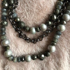 Hipchik natural pearl necklace